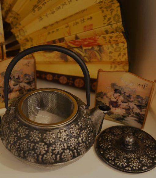 Ceainic din fontă
